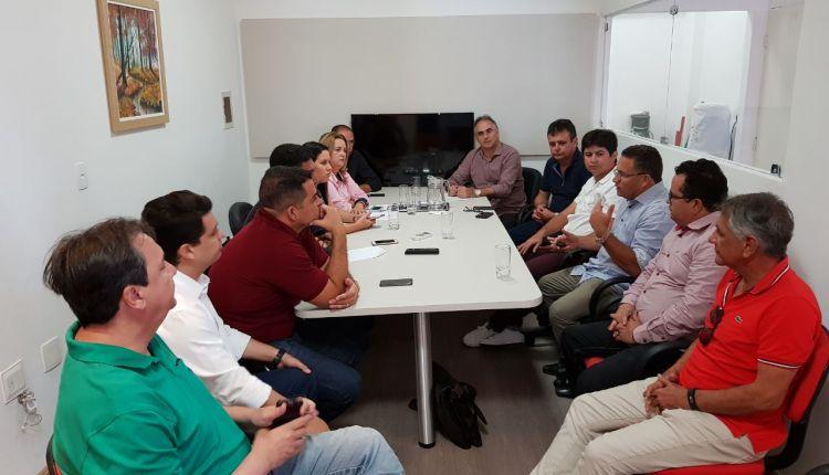 Chuva de adesões: Lucélio tem reunião e recebe apoio de oito prefeitos