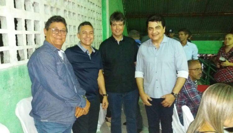 Ao lado de Ruy, prefeito tucano esquece Cássio e declara apoio a Manoel Jr para o Senado