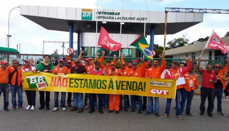MAIS GREVES: petroleiros anunciam paralisação de 72h a partir de quarta-feira dia 1º