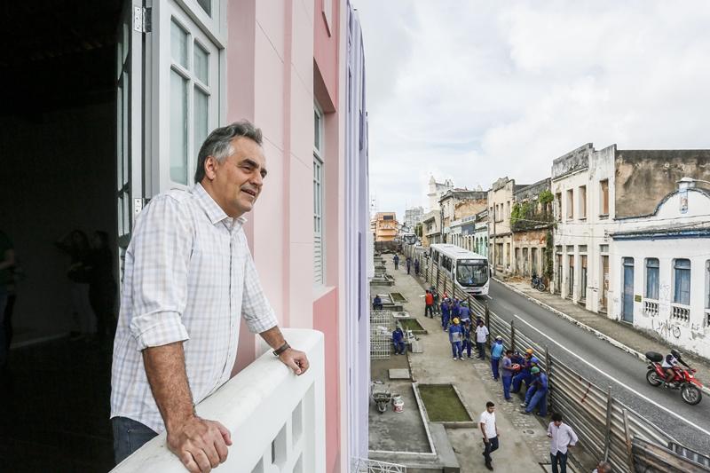 Operários do Villa Sanhauá recebem agradecimento do prefeito Luciano Cartaxo