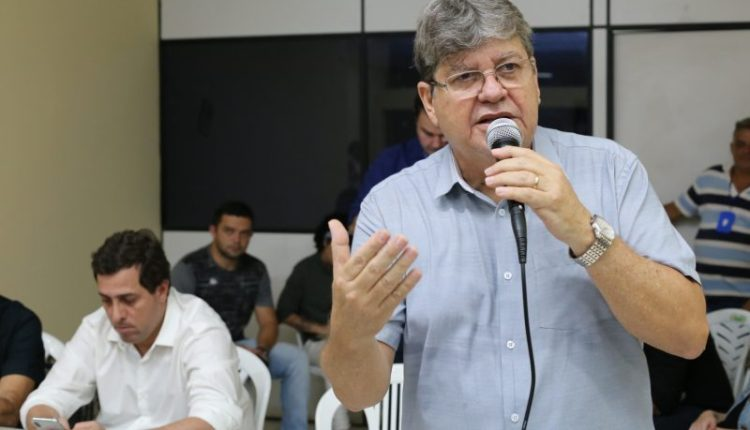 """""""Queremos uma Paraíba melhor para os paraibanos"""", diz João Azevêdo em encontro na Capital"""