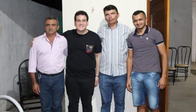 André Amaral participa de programações culturais em cidades do Sertão e recebe apoio de lideranças