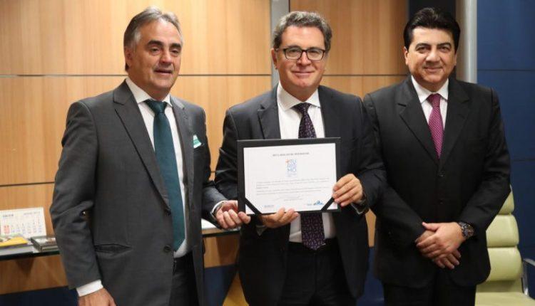 Luciano Cartaxo recebe 'Selo + Turismo' em Brasília e assegura novos investimentos em infraestrutura