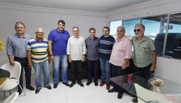 André Gadelha adere à pré-candidatura de Lucélio Cartaxo