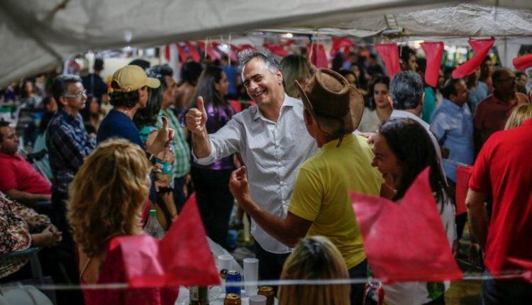 """""""Nós escolhemos o contato direto com a população"""", diz Lucélio na abertura do São Pedro de Belém"""