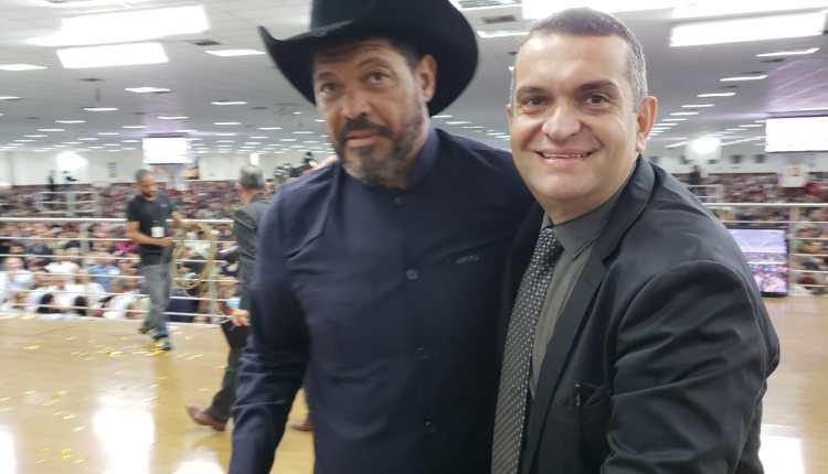 Empresário paraibano se 'espelha' no Pastor Valdomiro e busca vaga na ALPB