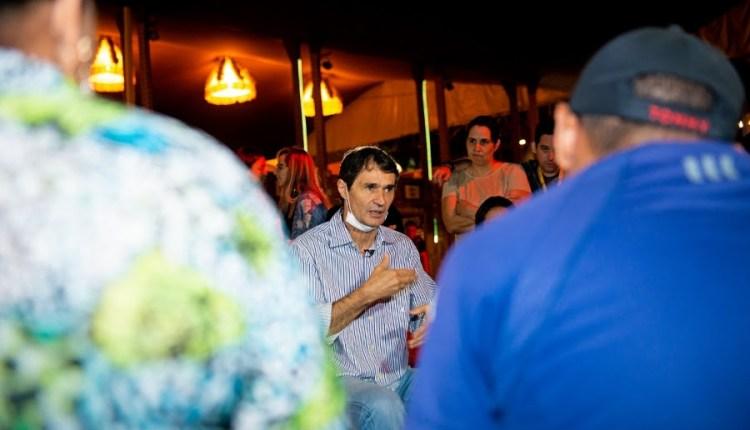 Romero assume comando da equipe de apoio aos comerciantes atingidos por incêndio no Parque do Povo