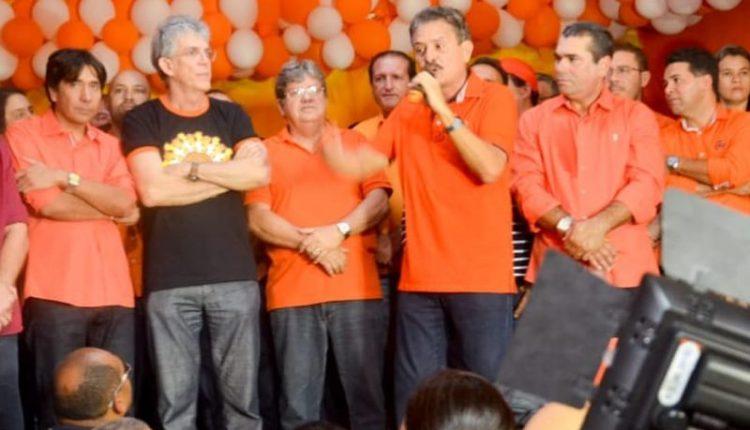 OUÇA: Tião diz que quem não reconhecer o que Lula fez pelo Nordeste, merece levar uma pisa