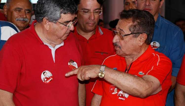 Ao lado de Zé Maranhão, Roberto Paulino reúne multidão em Guarabira