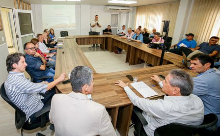 Romero anuncia novas obras de pavimentação beneficiando 38 bairros de Campina