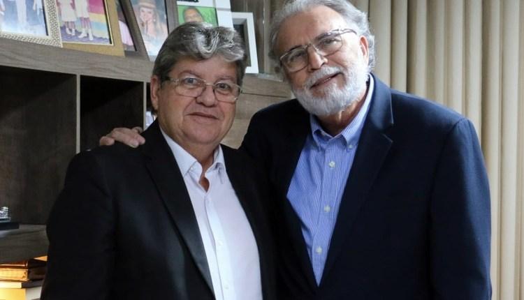 João Azevêdo é recebido pelo pastor Estevam Fernandes