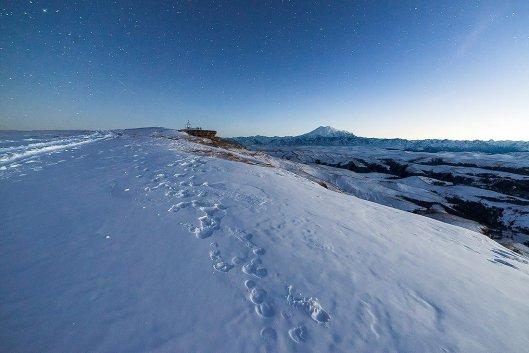 Вид с Бермамыта зимней ночью