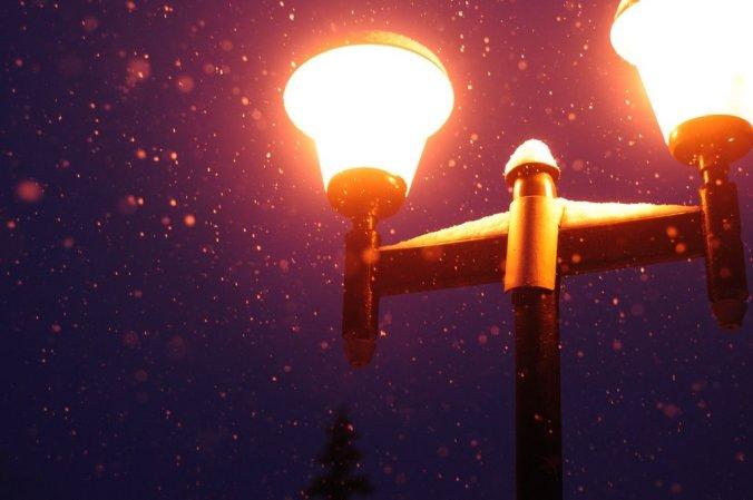 Фонарик и снежинки