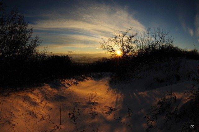 Снежный закат на Бештау