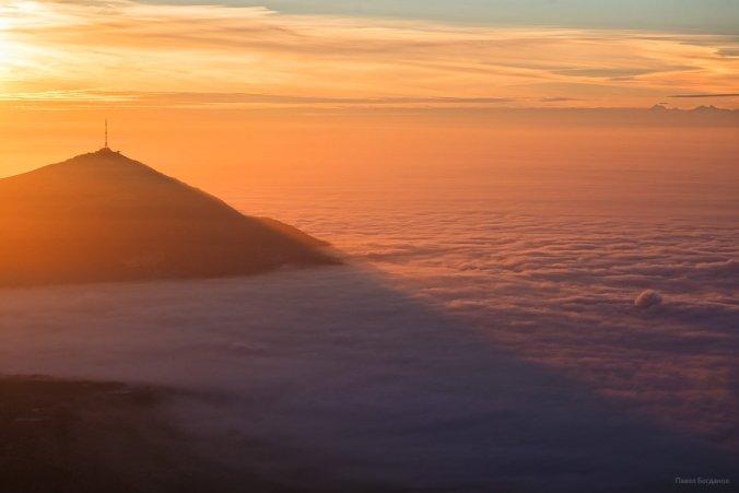 Тень на облаках