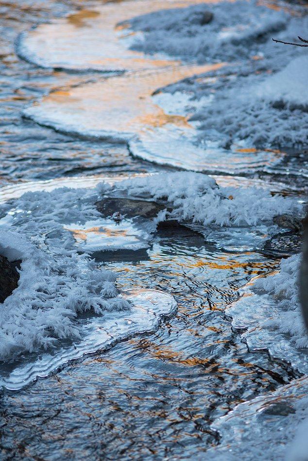 Замерзающая река Дамхурц