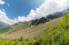 Верхняя часть горнолыжной трассы Цея
