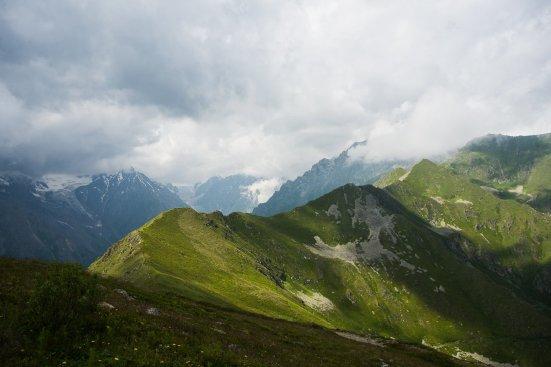 Хребет к западу от Цея