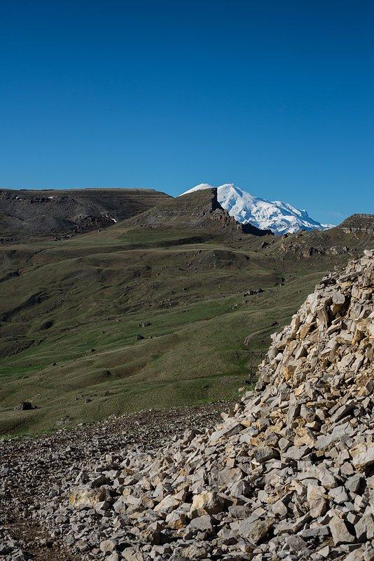 Вид на Эльбрус с восточного склона Бермамыта