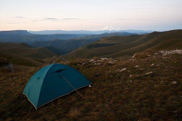 Ночевка в палатке на плато Шаджатмаз