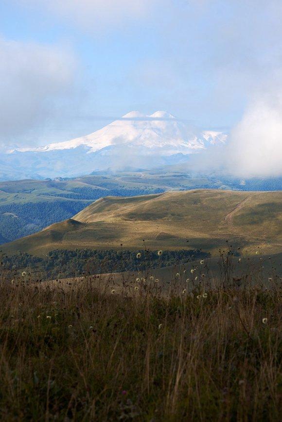 Вид на Эльбрус с Шаджатмаза