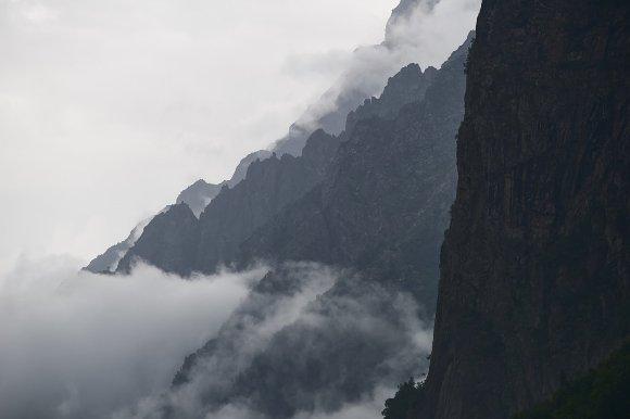 Склоны Цейского ущелья