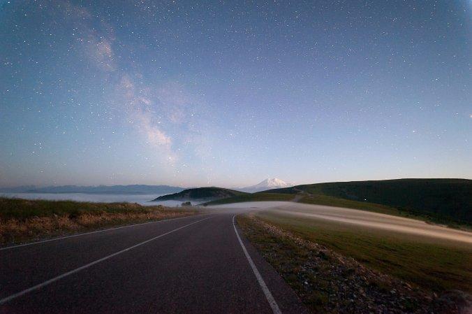Эльбрус, Млечный путь, туман