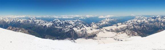 Вид с восточной вершины Эльбруса