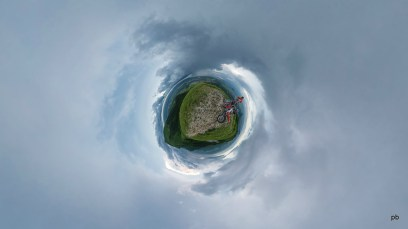 Малый Тау - маленькая планета