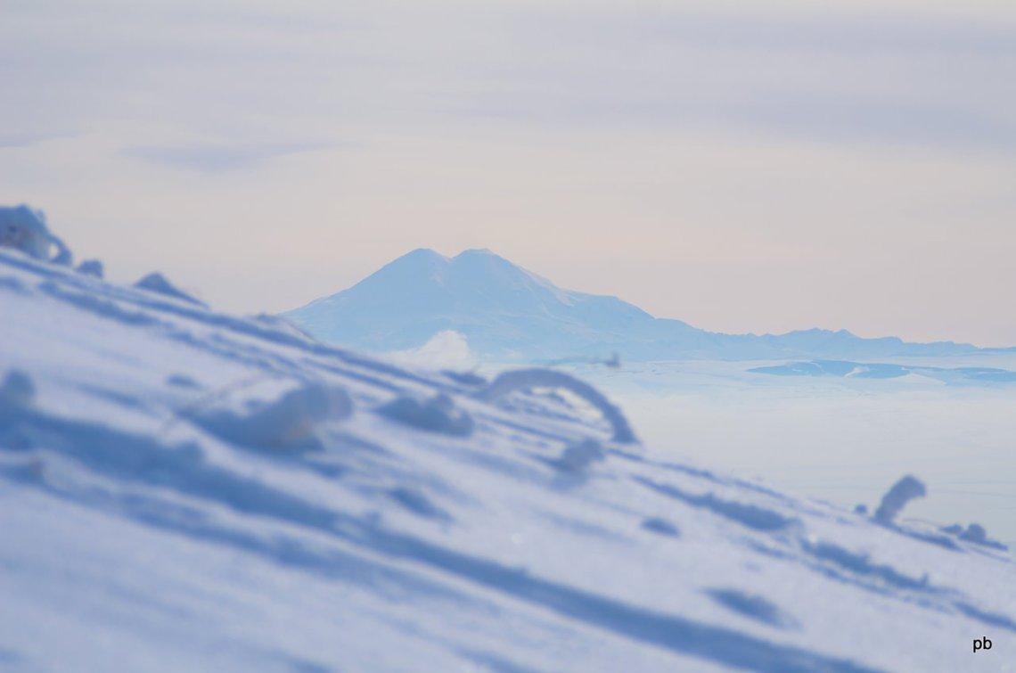 Фото Эльбруса со склона горы Машук