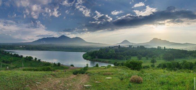 Панорама вблизи г. Змейка