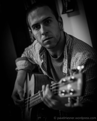 My friend is guitar maniac :) (Horní Slavkov   prosinec 2013)