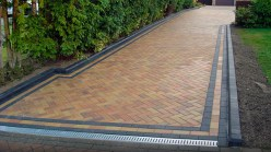 brick-paving-edging