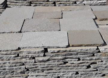 Piastrelle pietra grigia bagno arredo