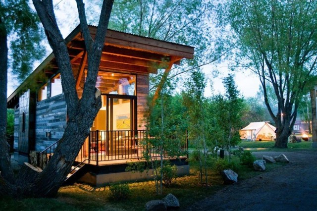 Wedge Cabin,Vajoming: Ovu kolibu u Rekreativnom parku za kamp kućice (RPT) krasi reciklažna ograda. Ponesite deo prerije sa sobom, kuda god da odlutate