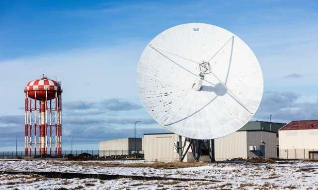 Island je prepoznat po svojoj velikoj neobičnosti pa i po ovom džinovskom satelitskom tanjiru na tlu nekadašnje vazduhoplovno-pomorske stanice Keflavik (Robert Ormerod)