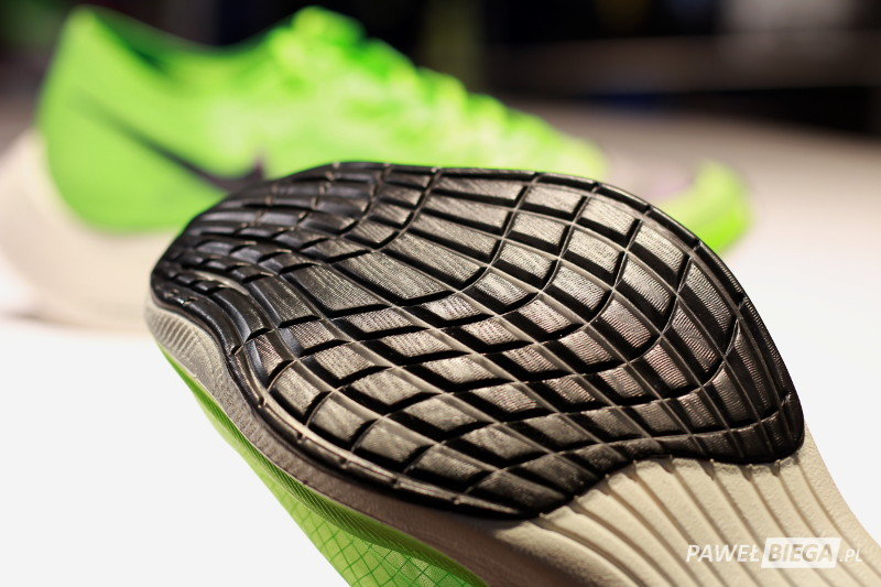 Nike Vaporfly Next - bieżnik przód