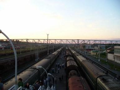 dworzec kolejowy w świrze, w rosji, między sankt petersburgiem a murmańskiem