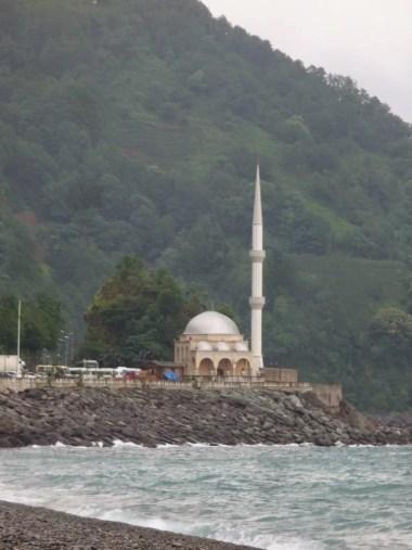 meczet po tureckiej stronie na granicy z gruzją, okolice sarpi, autonomicznej republice adżarii