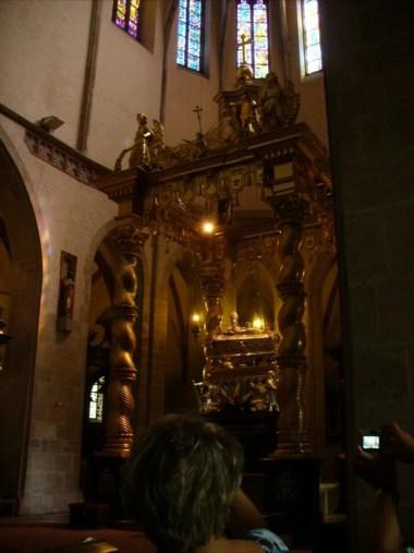 relikwie świętego wojciecha zlokalizowane w archikatedrze gnieźnieńskiej