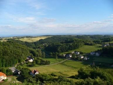 widok ze skałki 512 grodzisko na dolinę będkowską