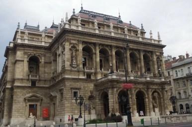 budynek opery w budapeszcie na węgrzech