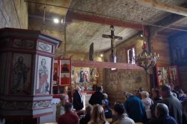 wnętrze zabytkowego kościółka świętego leonarda w lipnicy murowanej, wpisanego na listę unesco