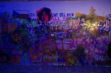 ściana johna lennona na kampie w pradze w czechach