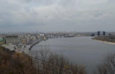 panorama na dniepr w kijowie na ukrainie