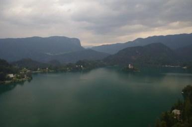jezioro bled w alpach julijskich w słowenii widziane z zamku