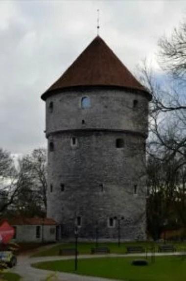 wieża kiek in de kok w tallinie w estonii