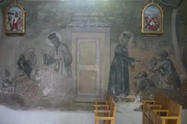 wnętrze kościoła farnego w drohobyczu na ukrainie