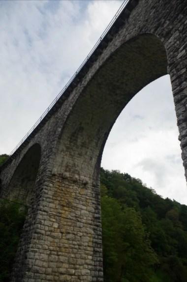 most kolejowy w miejscowości most na soci w słowenii