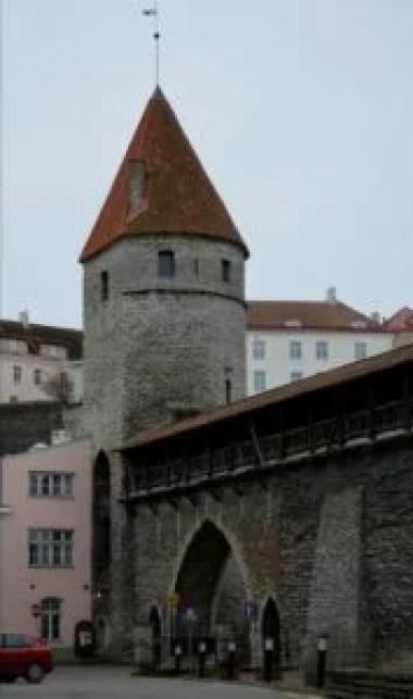 mury miejskie w tallinie w estonii